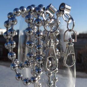 Handbags - Bead detachable chain belt.